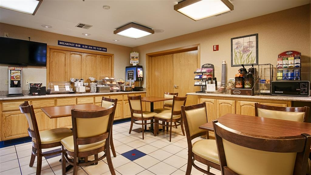 Best Western Galt Inn - We offer a complimentary breakfast to all of our guests.