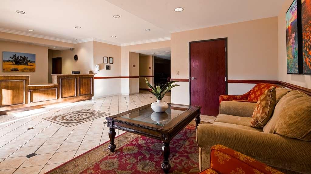 Best Western Joshua Tree Hotel & Suites - Vista del vestíbulo