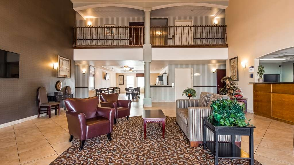 Best Western Plus Main Street Inn - Lobby view