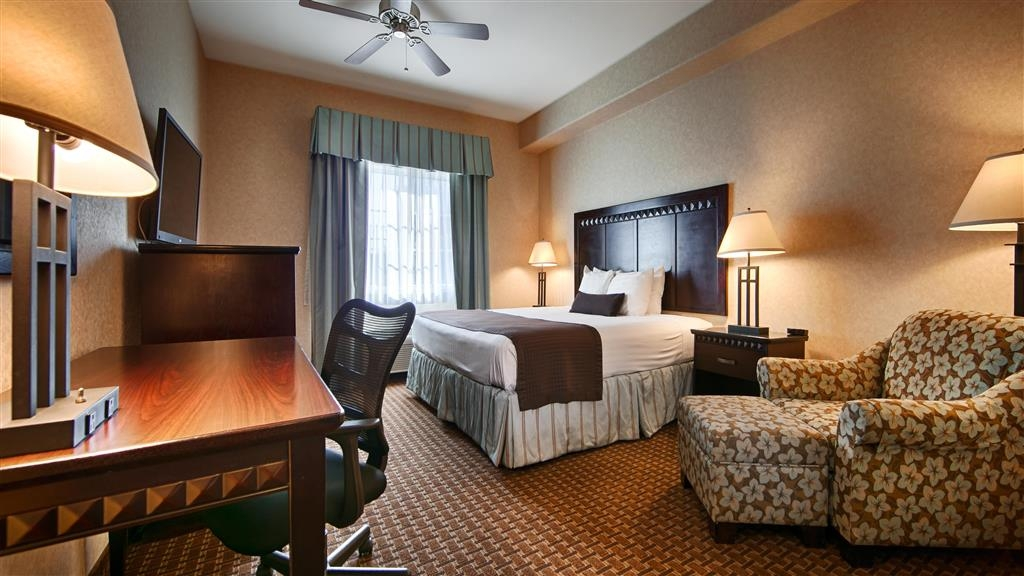Best Western Plus Main Street Inn - King bed room