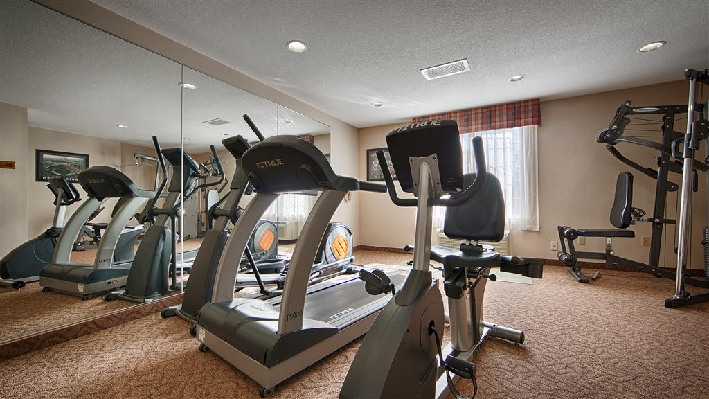 Best Western Plus Twin View Inn & Suites - Our fitness center is fully equipped with the cardio and weight equipment you need to stay fit.