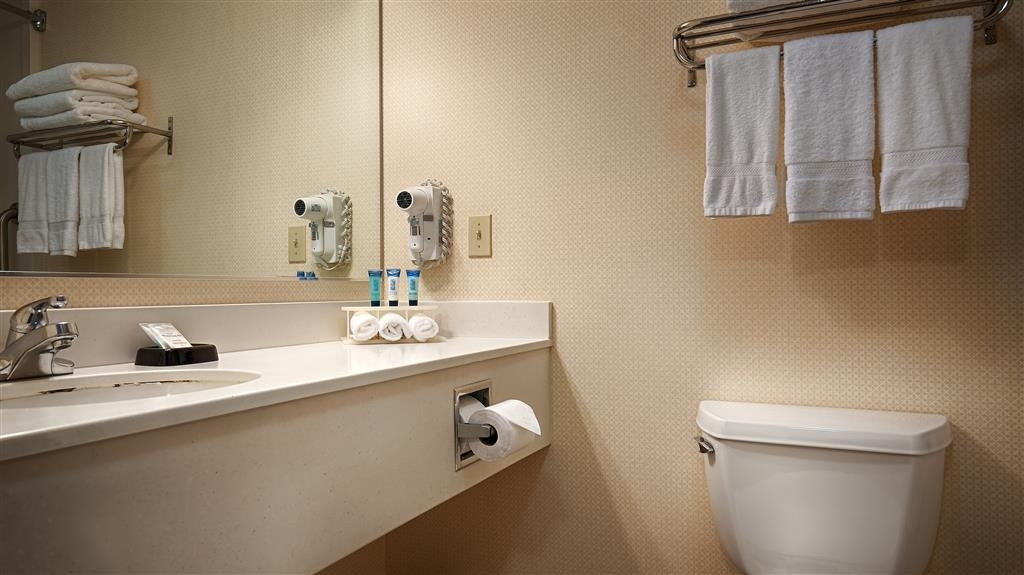 Best Western Plus Twin View Inn & Suites - We aim to make your stay with us effortless by providing the essential bathroom products to make you feel at home.