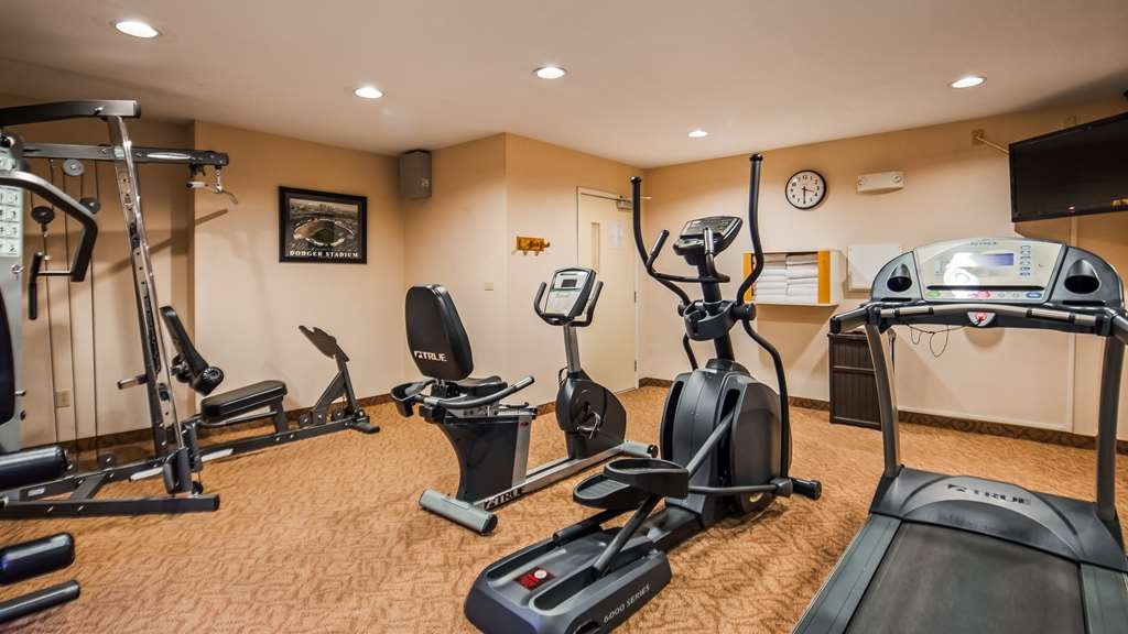 Best Western Plus Twin View Inn & Suites - Enjoy our 24-hour fitness center with state-of-the-art cardio and weigh equipment for your convenience.