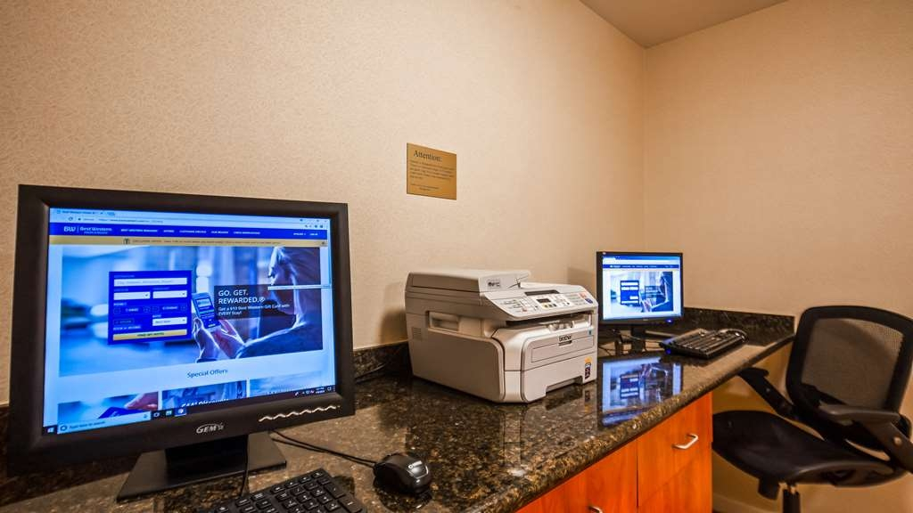 Best Western Plus Twin View Inn & Suites - Catch up with work in our 24-hour business center.