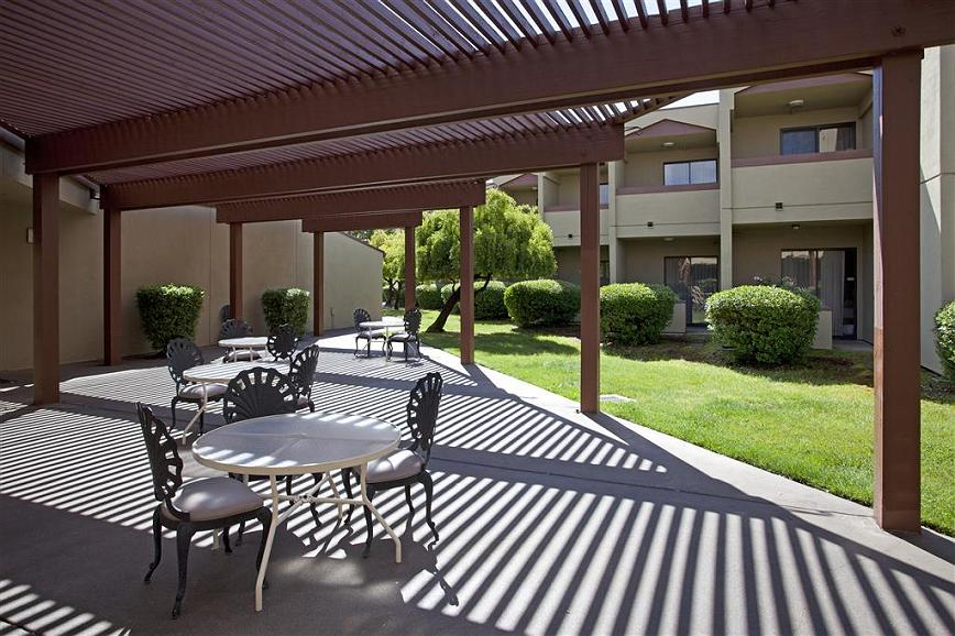 Best Western Plus Wine Country Inn & Suites - Vista exterior