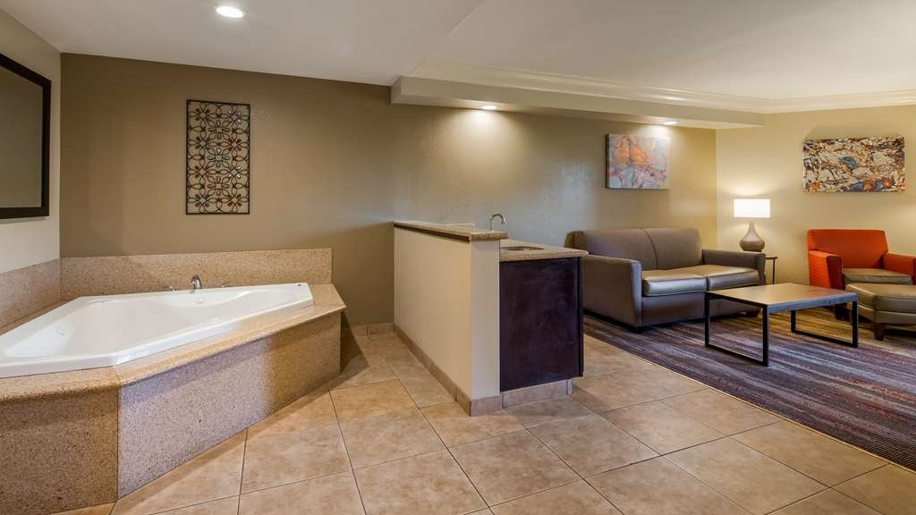Best Western Plus Wine Country Inn & Suites - Suite