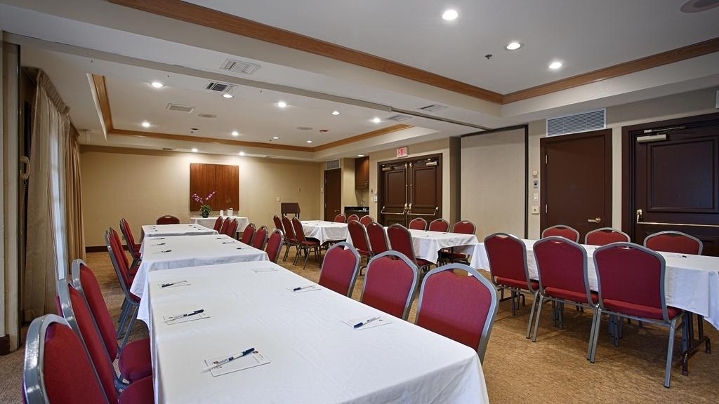 Best Western Plus Meridian Inn & Suites, Anaheim-Orange - Salle de réunion