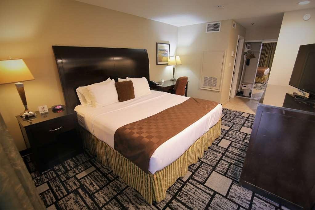 Best Western Plus Meridian Inn & Suites, Anaheim-Orange - Gästezimmer/ Unterkünfte