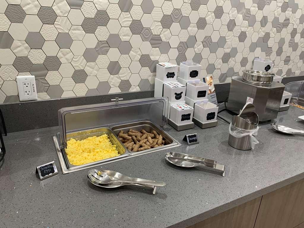 Best Western Plus Wasco Inn & Suites - Enjoy a Hot Breakfast!