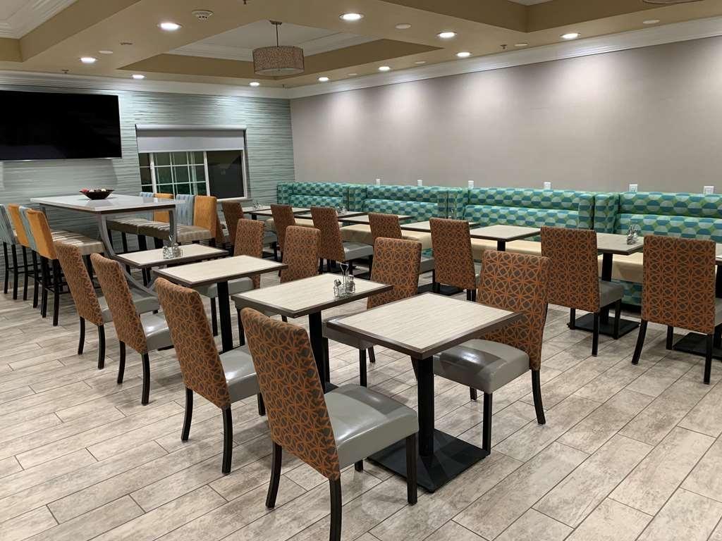 Best Western Plus Wasco Inn & Suites - Breakfast Room