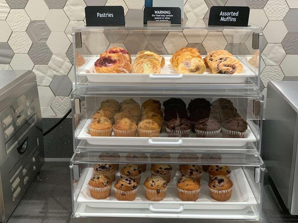 Best Western Plus Wasco Inn & Suites - Breakfast Muffins