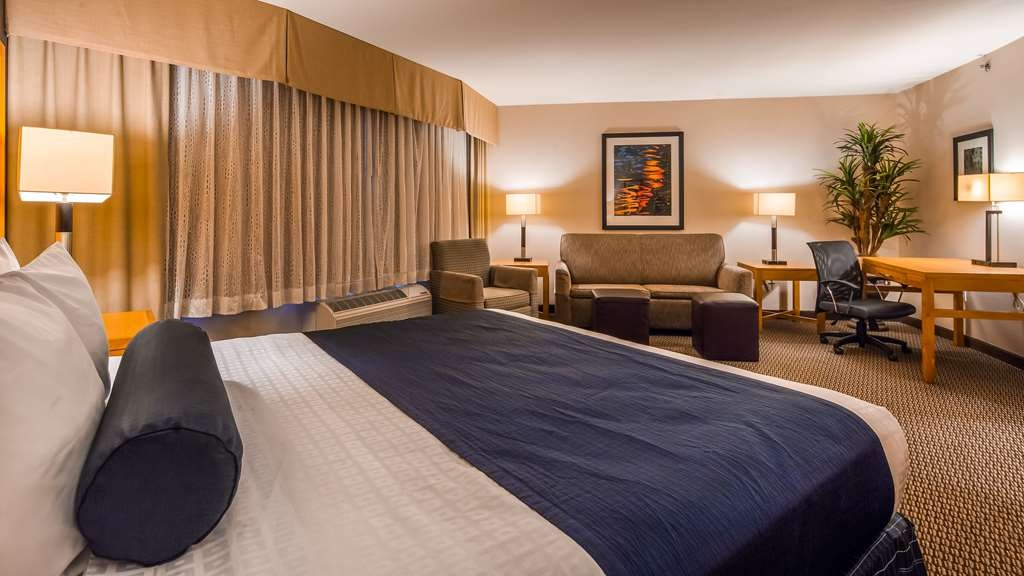 Best Western Plus Marina Gateway Hotel - Suite