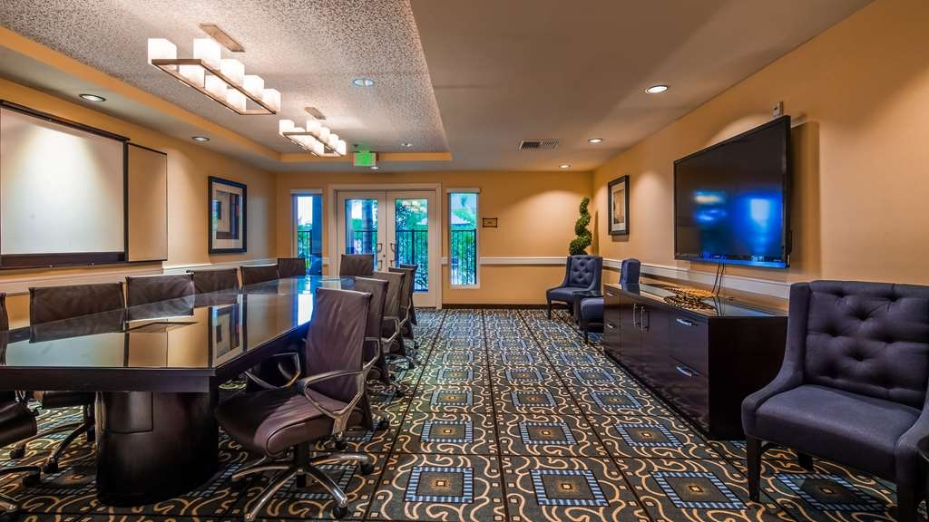 Best Western Plus Marina Gateway Hotel - Meeting room