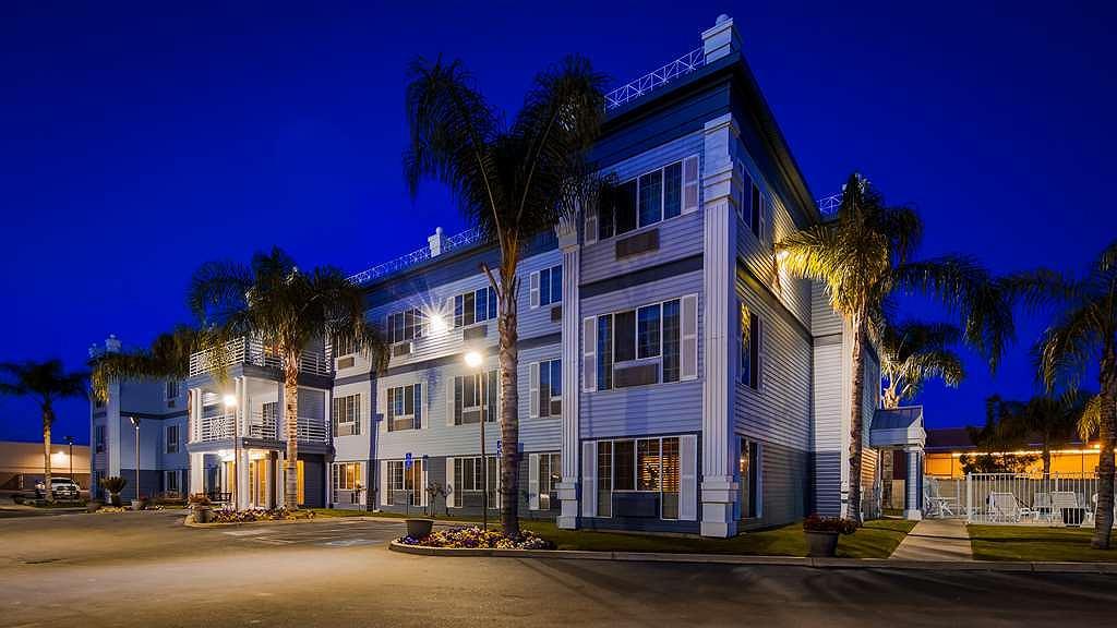 Best Western Colonial Inn - Vista exterior