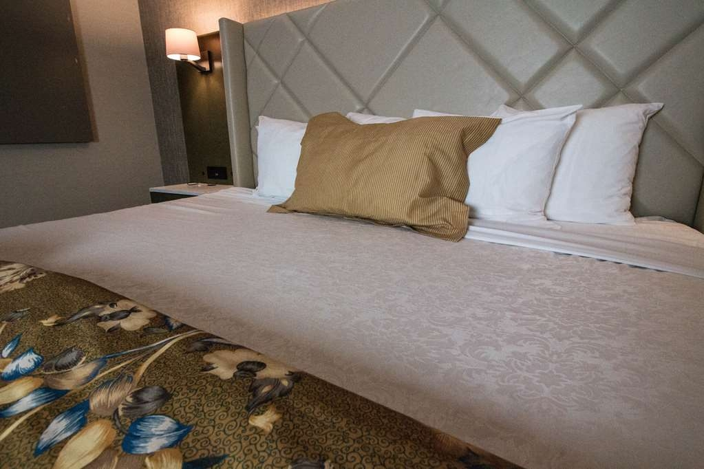 Best Western Plus High Sierra Hotel - Clean, fresh and comfortable beds
