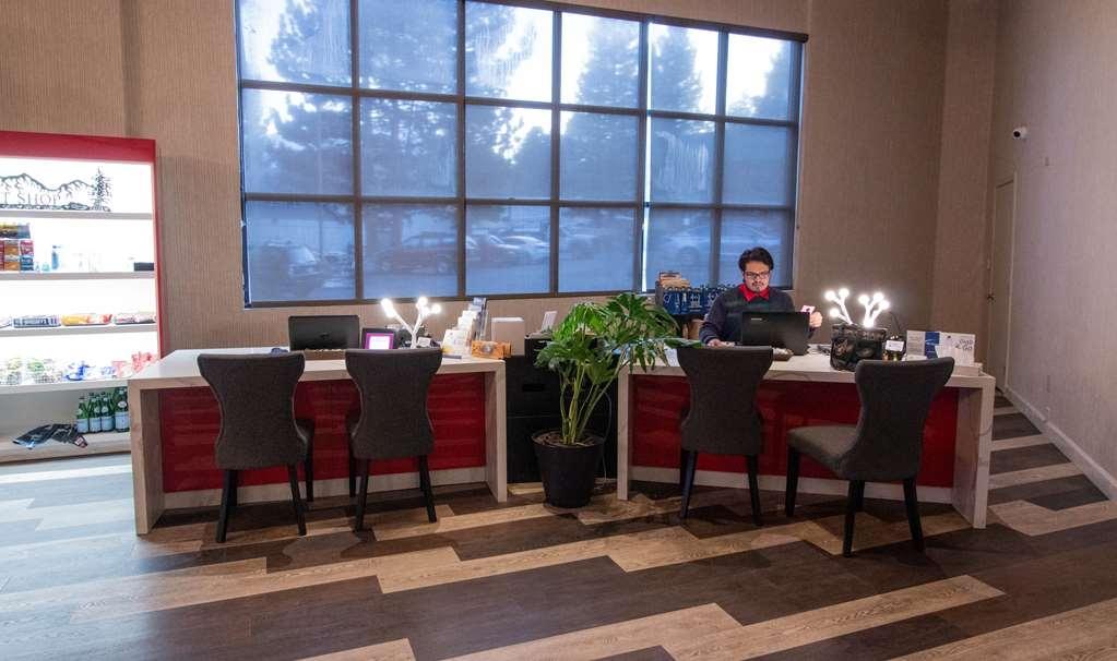 Best Western Plus High Sierra Hotel - Vue du lobby
