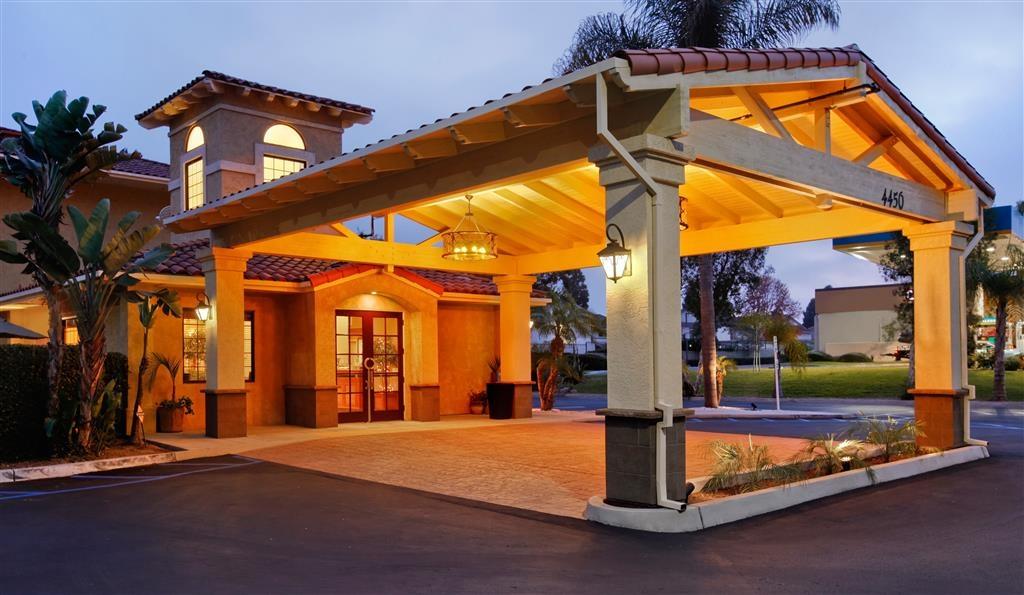 Best Western Chula Vista/Otay Valley Hotel - Hotel Entrance