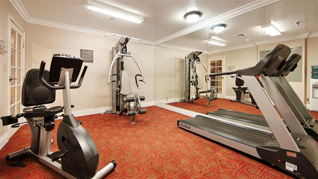 Best Western Burbank Airport Inn - Stay active in our fitness center with a variety of equipment.