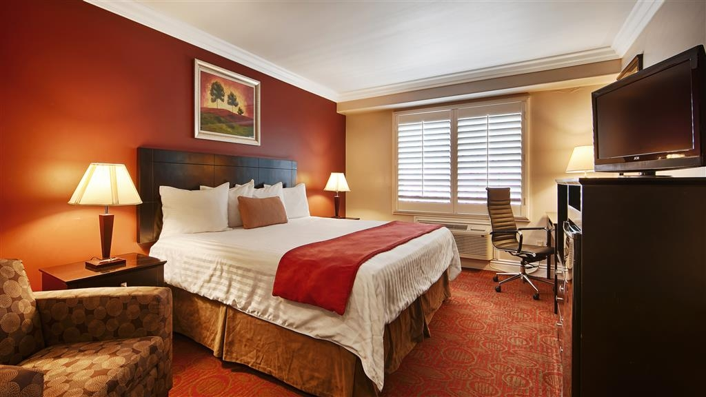 Best Western Burbank Airport Inn - Live in true luxury when you book a king guest room.