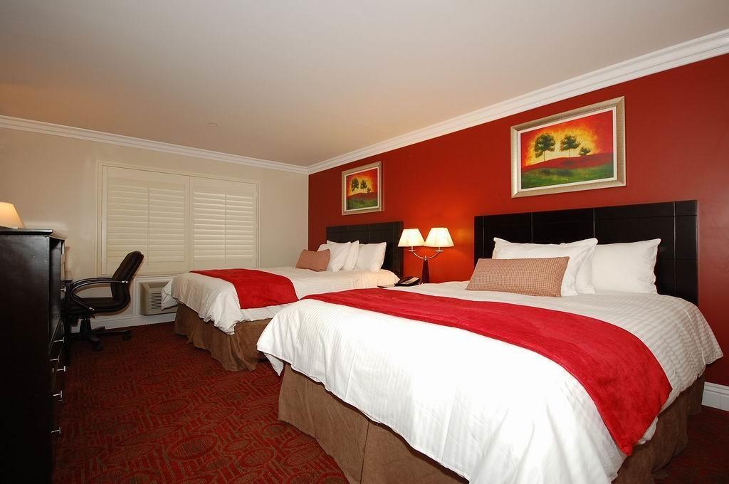 Best Western Burbank Airport Inn - Zimmer mit zwei Queensize-Betten