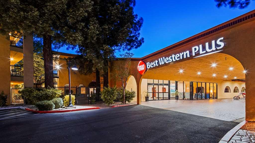 Best Western Plus Heritage Inn - Vista exterior