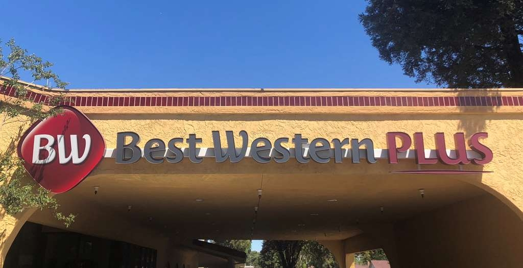 Best Western Plus Heritage Inn - For a relaxing and fun-filled stay in Stockton, make a reservation at the BEST WESTERN PLUS Heritage Inn!