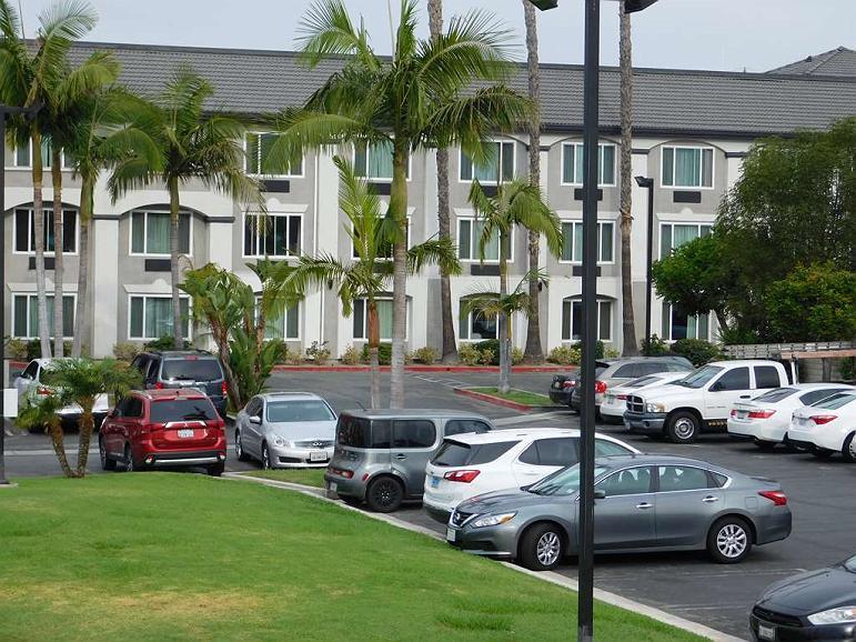 Best Western Plus Anaheim Orange County Hotel - Facciata dell'albergo
