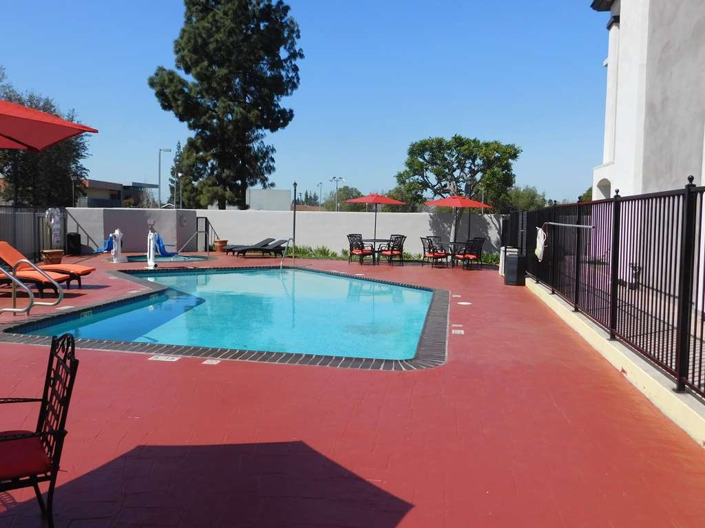 Best Western Plus Anaheim Orange County Hotel - Outdoor Pool ideal for California Sun!