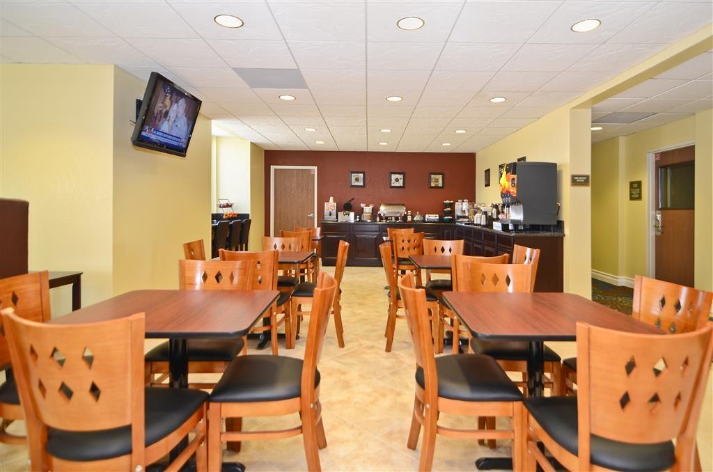 Best Western California City Inn & Suites - Frühstücksbereich