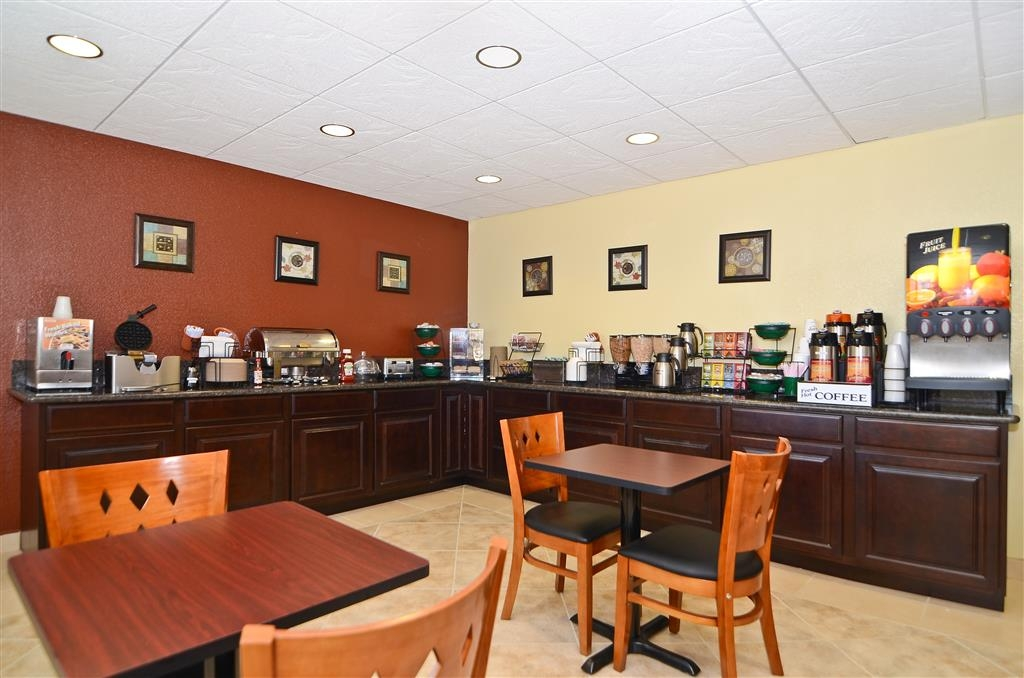 Best Western California City Inn & Suites - Le petit déjeuner buffet