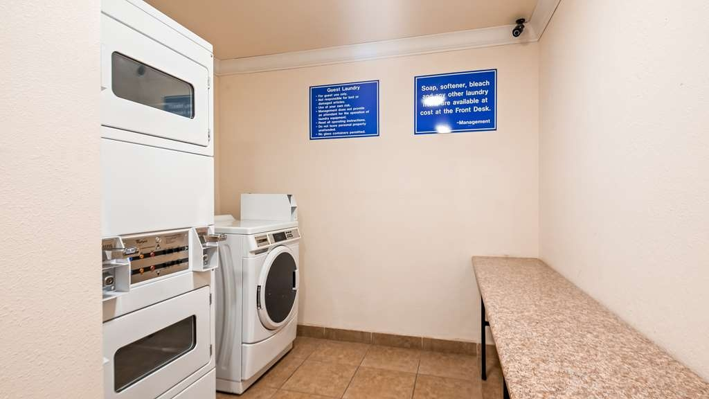Best Western Plus Corning Inn - Laundry Facilities