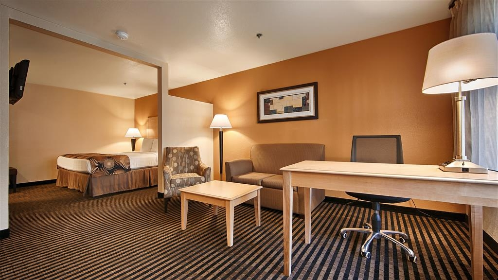 Best Western Palm Court Inn - Suite