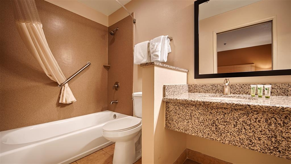 Best Western Palm Court Inn - Baño