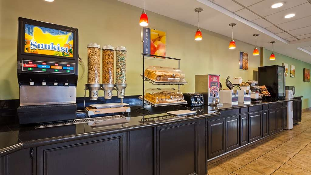 Best Western Plus Irvine Spectrum Hotel - Breakfast Area
