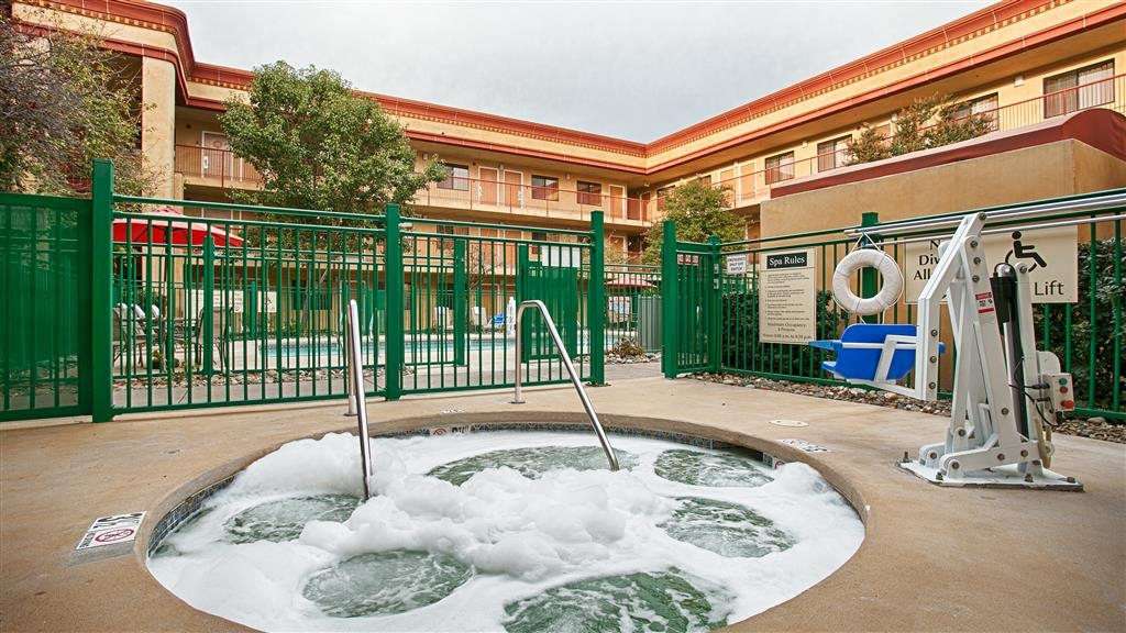 Best Western Plus Orchid Hotel & Suites - Let the warm water in our hot tub relax all your worries away.