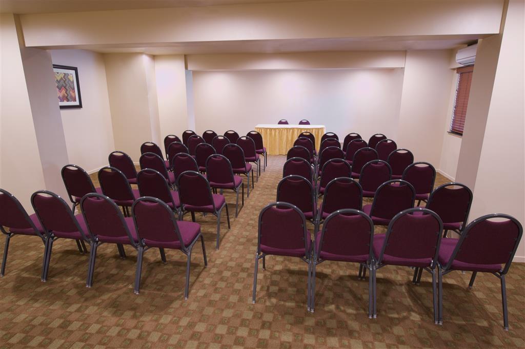 Best Western Plus Orchid Hotel & Suites - Salle de réunion
