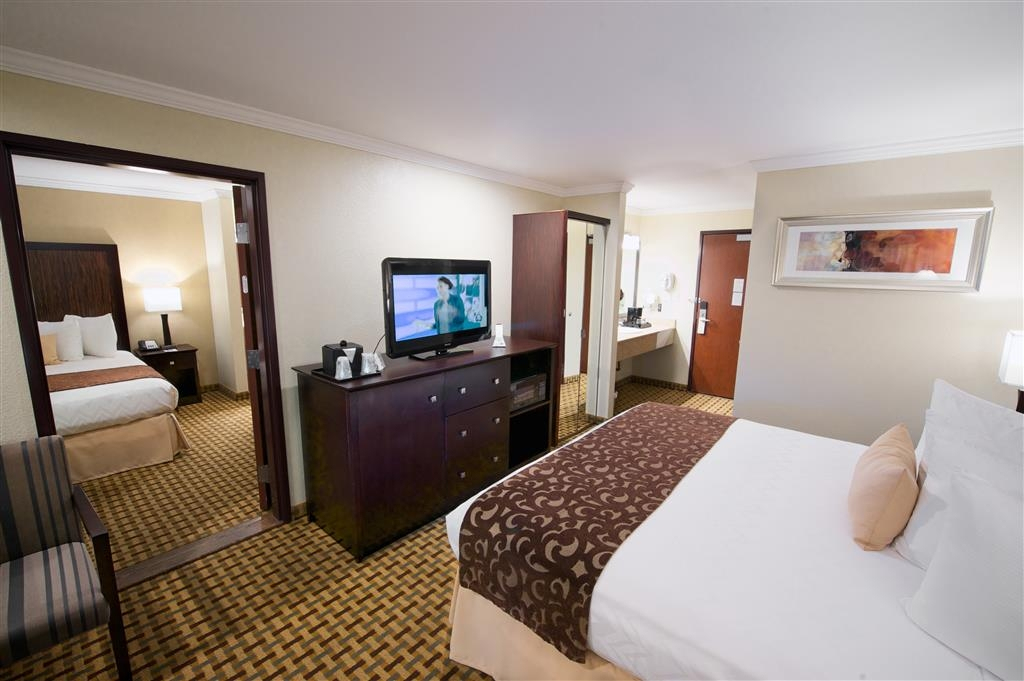 Best Western Plus Orchid Hotel & Suites - Suite
