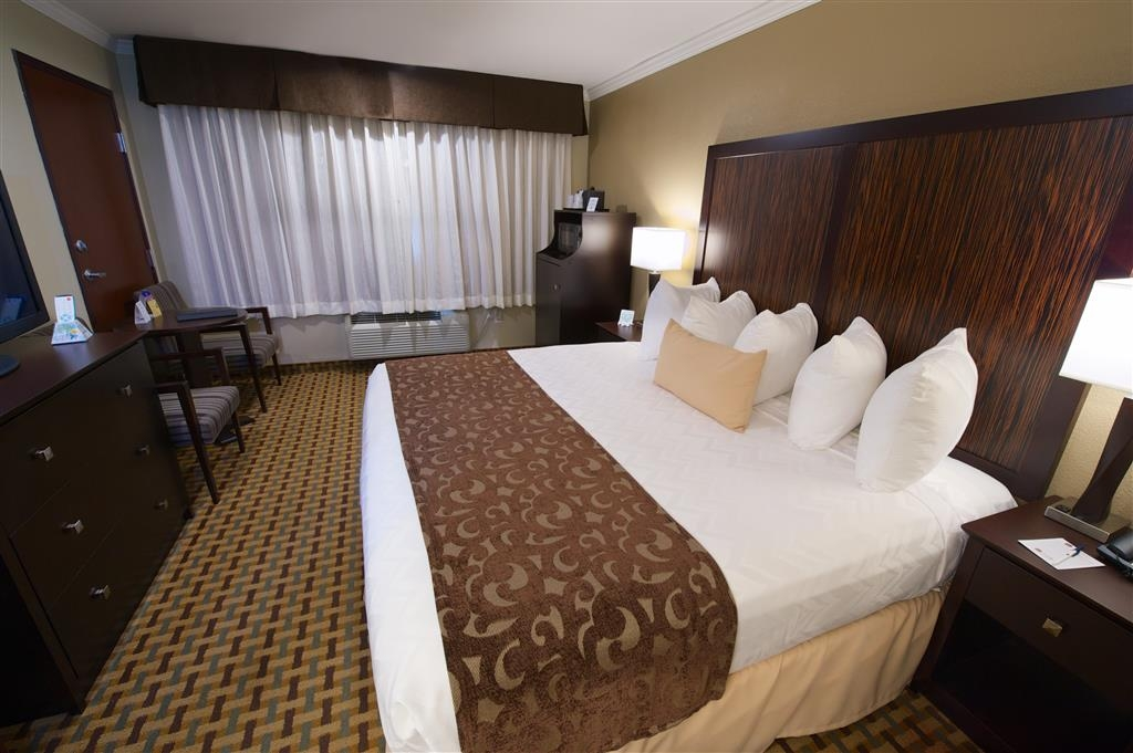 Best Western Plus Orchid Hotel & Suites - Our king mobility accessible rooms over the space you need for a comfortable trip.