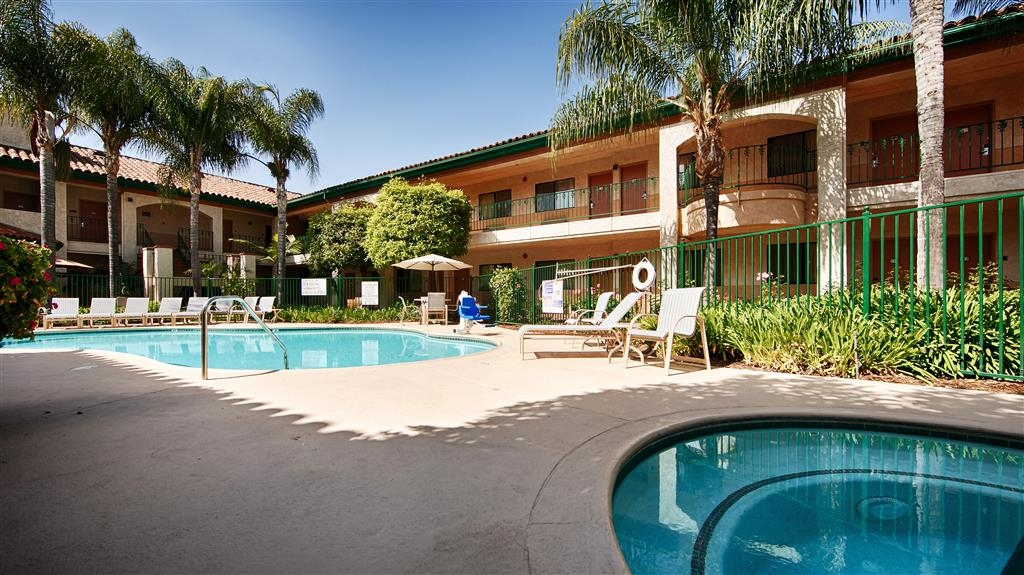 Best Western San Dimas Hotel & Suites - Outdoor Pool and Spa