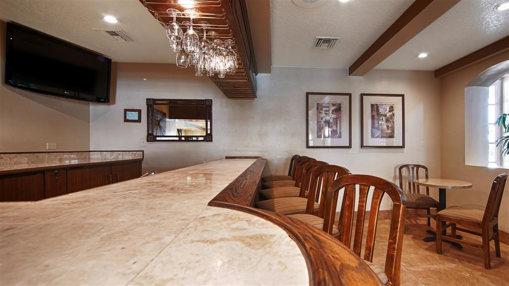Best Western San Dimas Hotel & Suites - Bar / Lounge