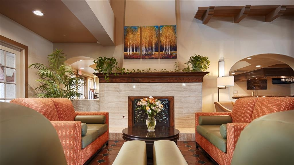 Best Western San Dimas Hotel & Suites - Hall dell'hotel