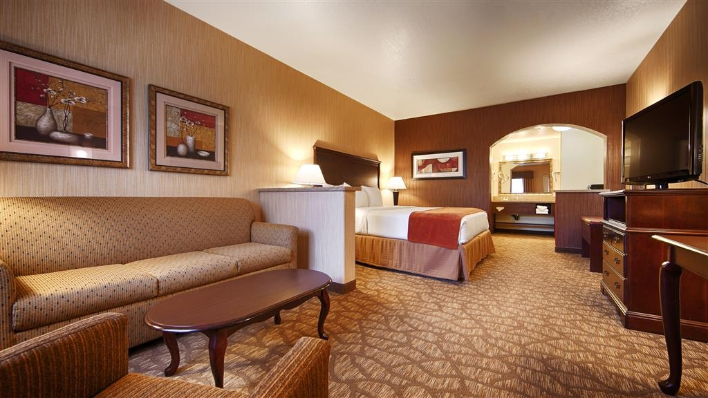 Best Western San Dimas Hotel & Suites - Suite avec lit queen size