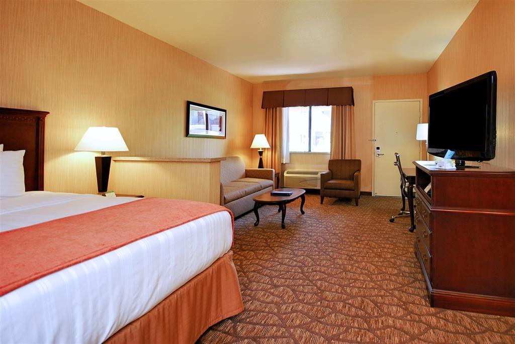 Best Western San Dimas Hotel & Suites - Suite