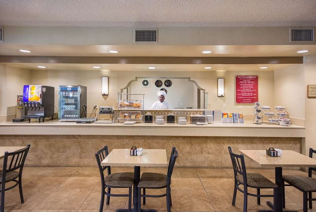 Best Western San Dimas Hotel & Suites - Breakfast Area