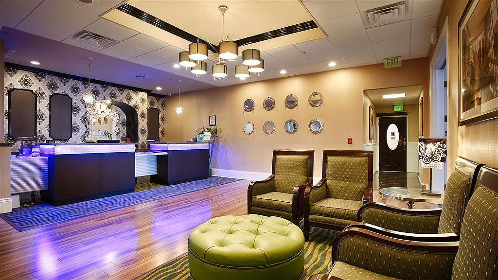 Best Western Plus San Pedro Hotel & Suites - Vue du lobby