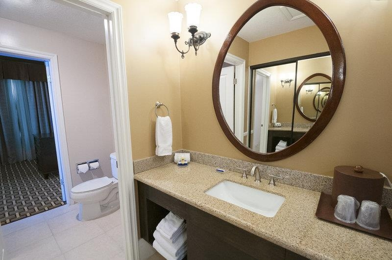 Best Western Plus San Pedro Hotel & Suites - King Suite