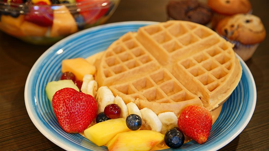 Best Western University Inn Santa Clara - Make sure you try our a fresh waffle during your stay.