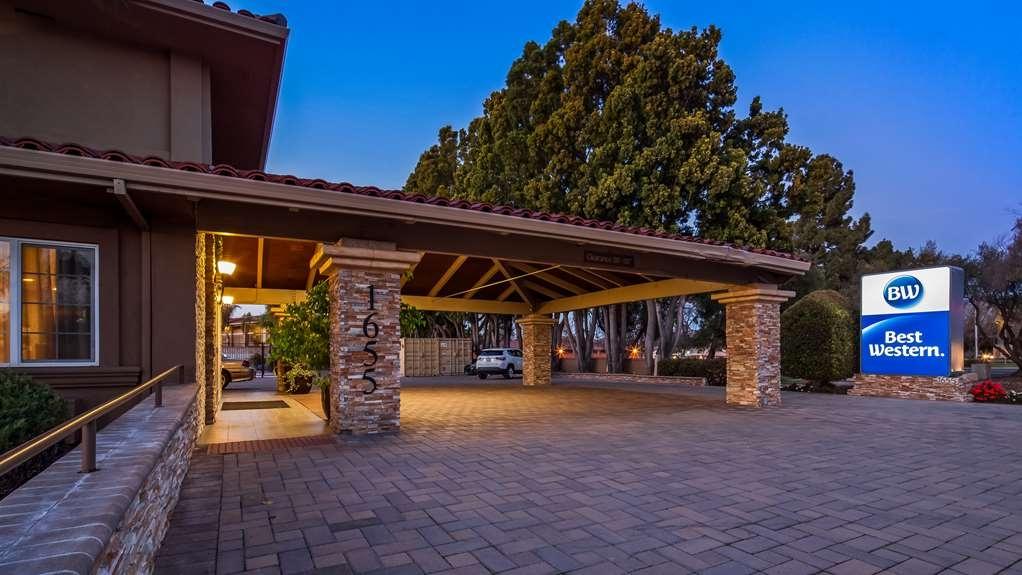 Best Western University Inn Santa Clara - Hotel Exterior at Night