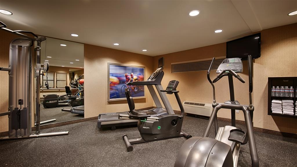 Best Western Plus Bayside Hotel - We have the weight and cardio equpiment you need to stay on track.