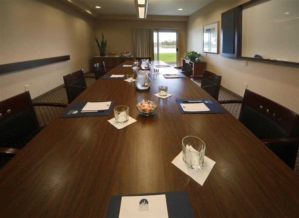 Best Western Plus Bayside Hotel - The Harbor Room is a quiet conference room with boardroom style table and chairs and features a water view and outside access.